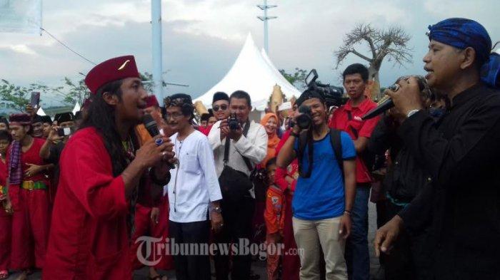 Saat Orang Betawi 'Ngebesan' ke Bogor, Dua Jawara Adu Kekuatan