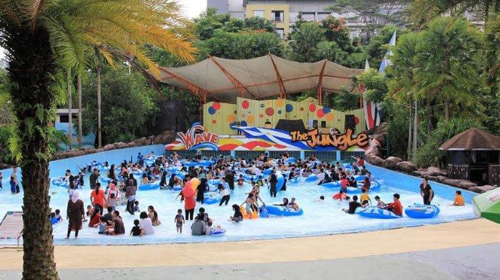 Serunya Bermain Ombak di The Jungle Waterpark, Promo Awal Tahun Tiket Masuk Cuma Rp 60 Ribu