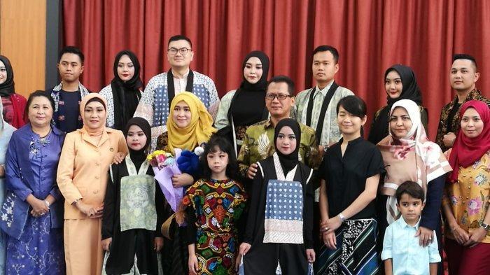 FridAulia Indonesia Tampilkan Baju Motif Ikon Bogor di Fashion Show Brunei Darussalam