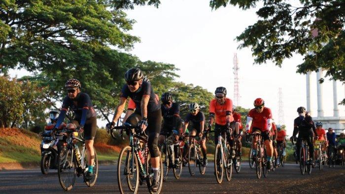 Cerita Nirina Zubir Gowes Tour de Borobudur 2020 Bareng Ganjar Pranowo : Rutenya Bikin Deg-degan