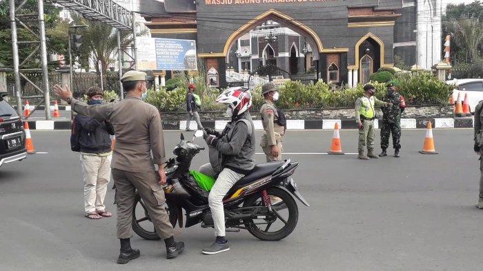 Penerapan uji coba sistem ganjil genap di Puncak Bogor mulai diberlakukan, Jumat (3/9/2021) sore.