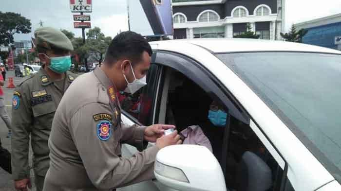 Sejak Pagi 139 Kendaraan Pelanggar Ganjil Genap Diputar Balik, 5 Pelanggar Kena Sanksi Sosial