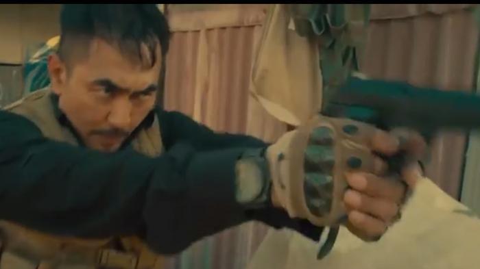Gatot Brajamusti dalam film D.P.O