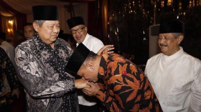 Bertemu Di Rumah Chairul Tanjung, Gatot Nurmantyo Cium Tangan SBY, Alasannya ?
