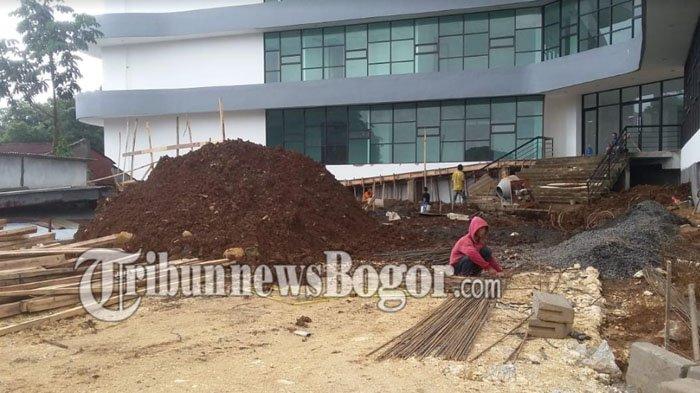 Masih Belum Ditempati, Gedung Baru Kantor DPRD Kota Bogor Masih Dalam Tahap Pembangunan Jalan