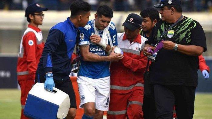 Gelandang Persib Bandung Tetap Datang Latihan Meski sedang Cedera