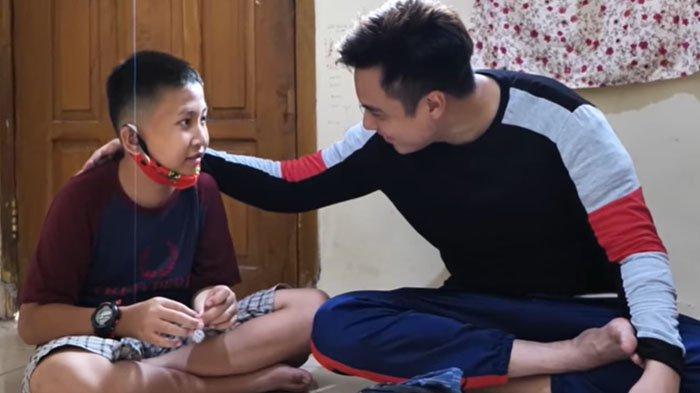Bertemu Gilang Bocah Viral, Baim Wong Nangis dan Langsung Tawarkan Pekerjaan : Kerja Jadi Artis !