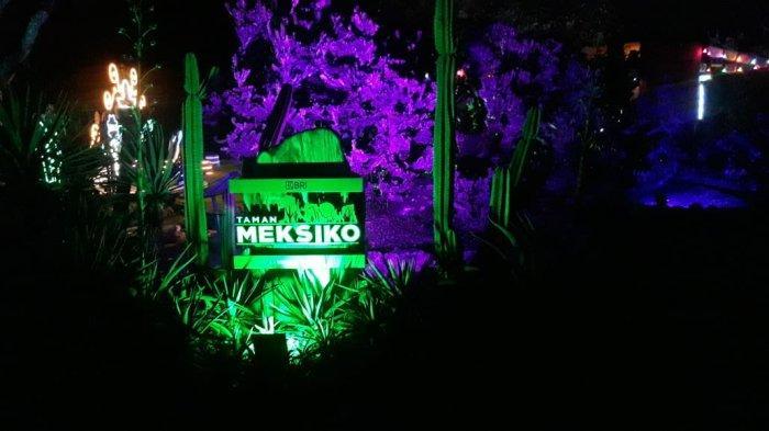 Suasana Glow di Kebun Raya Bogor yanf merupakan inovasi pendidikan edukasi hayati yang dipersembahkan oleh Kebun Raya untuk Masyarakat Indonesia.