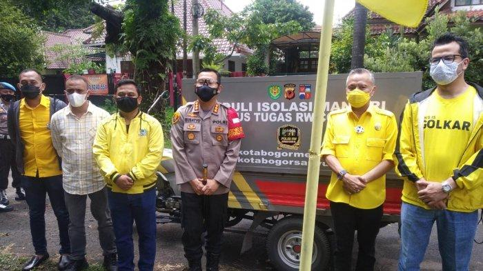 Golkar Kirim Paket 200 Sembako untuk Warga yang Isolasi Mandiri di Bogor