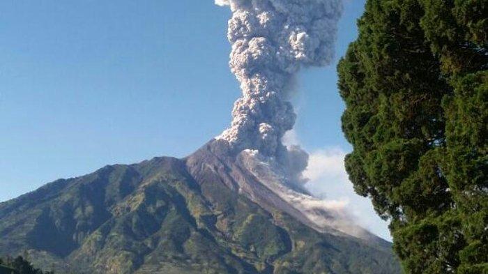 Gunung Merapi Kembali Meletus, Terdengar Suara Gemuruh hingga Hujan Pasir