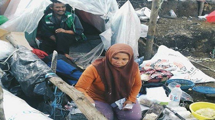 Kisah Pasutri Berdagang di Gunung Sindoro, Rela Nge-Track Bolak-Balik dan Sering Ketemu Babi Hutan