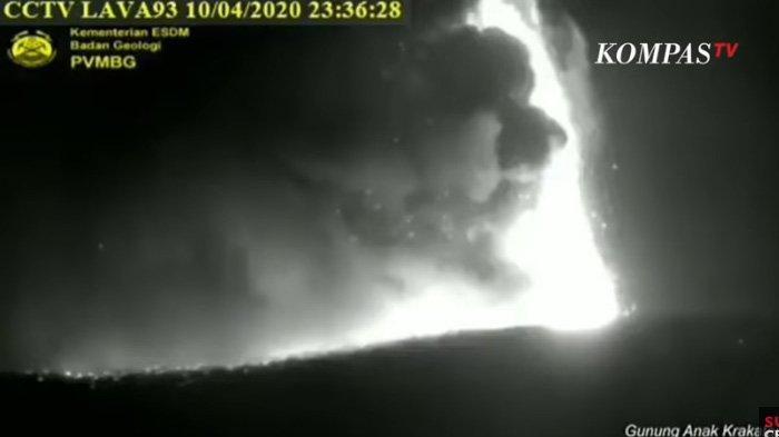 VIDEO Gunung Anak Krakatau Meletus 2 Kali, PVMBG Tegas Suara Dentuman Aneh Bukan Berasal dari Erupsi