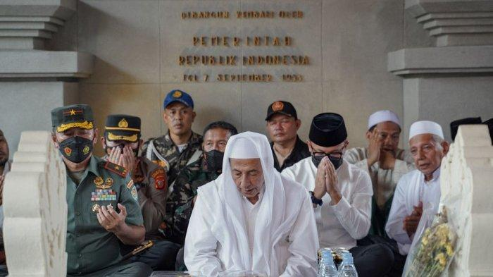 Habib Luthfi Resmikan Joglo Makam Raden Saleh di Bogor