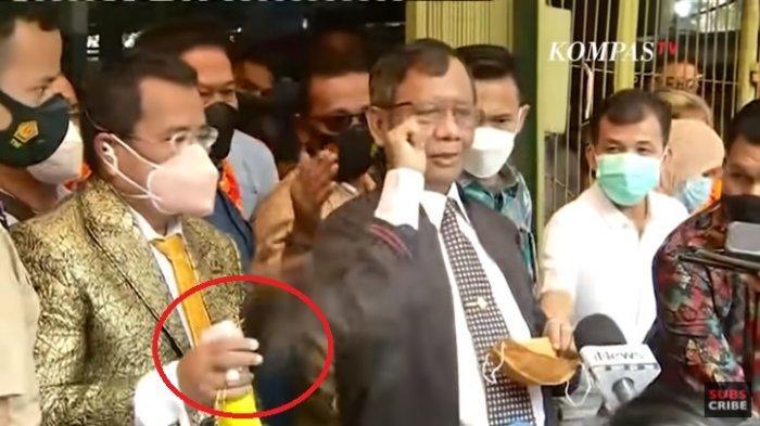 Mahfud MD Setuju Hakim Lebih Tegas Pada Rizieq Shihab, Hotman Paris Sibuk Semprot Wartawan