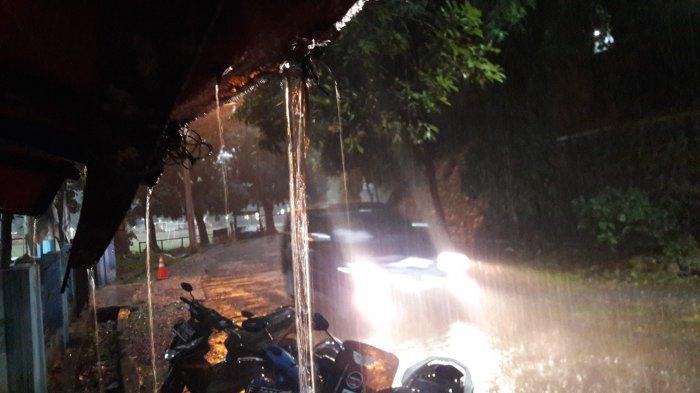 Hujan Sejak Sore, Sungai CIleungsi dan Cikeas Bogor Siaga 1, Waspada Banjir