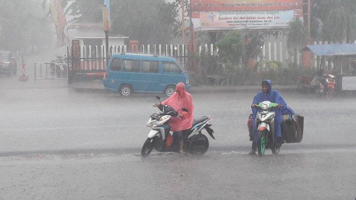 Prakiraan Cuaca BMKG Jabodetabek, Kamis 31 Desember 2020: Waspada Hujan Petir di 2 Wilayah