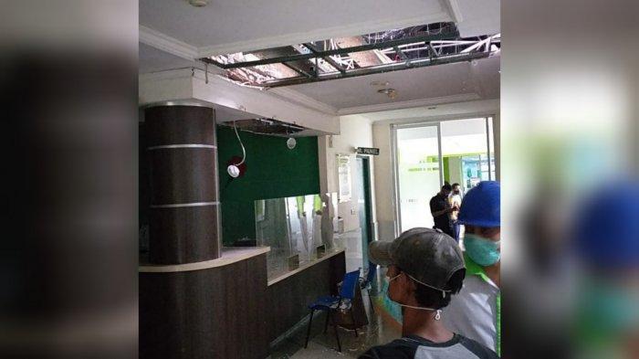 Angin Kencang Disertai Hujan Es Terjang Leuwiliang Bogor, Atap Sejumlah Bangunan Rusak