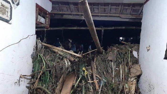 Warga yang Terdampak Bencana Banjir dan Longsor di Kabupaten Bogor Capai 1.341 Jiwa