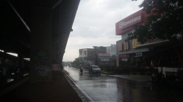 Jalan Sholeh Iskandar Siang Ini Diguyur Hujan, Pengendara Diimbau Hati-hati