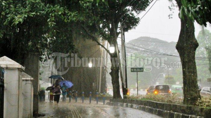 Peringatan Dini Cuaca BMKG : Waspada Hujan Disertai Angin Kencang di Beberapa Daerah Termasuk Bogor