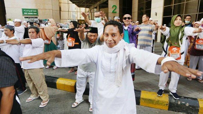 Jaga Kebugaran Saat Puncak Haji, Jemaah Jateng Gelar Senam Ngapak