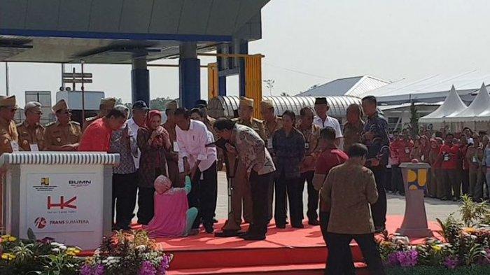 Jokowi Resmikan Tol Bakauheni-Terbanggi Besar, Ibu-ibu Terobos Pengamanan Curhat soal Lahan