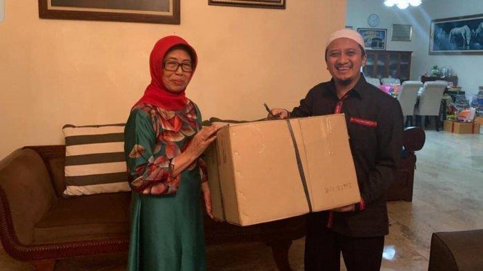 Cerita Ustaz Yusuf Mansur Dianggap Anak Bontot oleh Ibunda Jokowi: Sedih Sekali Gak Bisa ke Sana