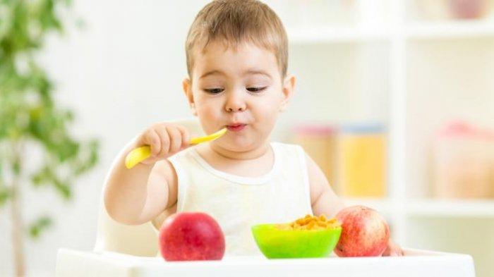 Bayi Jangan Diberi Makan Buah dan Sayur saat Awal MPASI, Ini Kata Dokter Anak