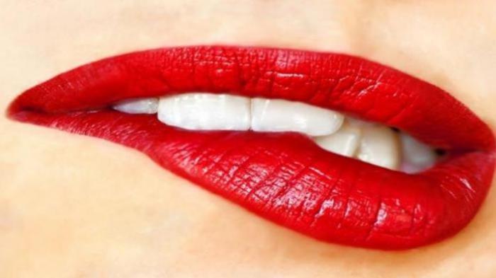 Arti Kedutan Bibir Menurut Primbon Jawa, Jadi Pertanda Baik Atau Buruk?