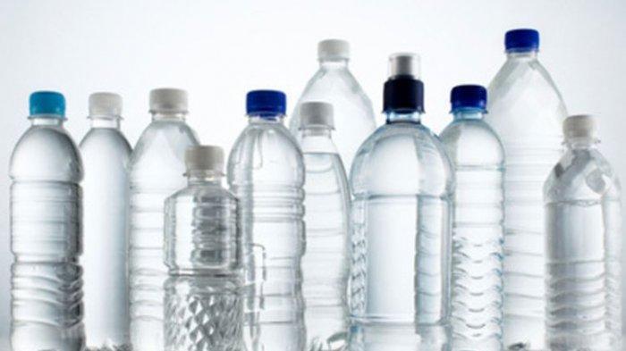 Waspada ! Ini Bahaya Sering Pakai Ulang Botol Plastik Bekas Air Minum