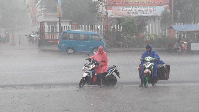 UPDATE Peringatan Dini Cuaca BMKG Selasa 25 Februari 2020, Siang Ini Jabodetabek Diguyur Hujan Deras