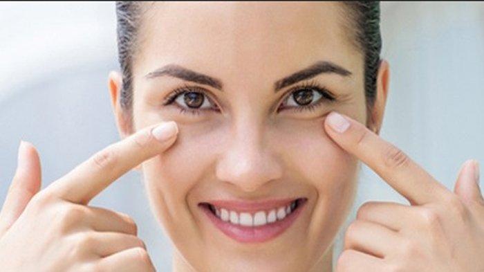 Simak, 5 Cara Hilangkan Kantung Mata yang Menghitam, Kompres dengan Teh Celup hingga Es Batu