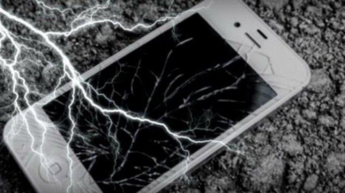 Main Ponsel saat Hujan Bisa Tersambar Petir ? Ini Kata Ilmuwan
