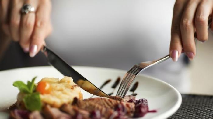 Mengantuk Setelah Makan Siang, Pertanda Diabetes? Ini Kata Ahli Nutrisi