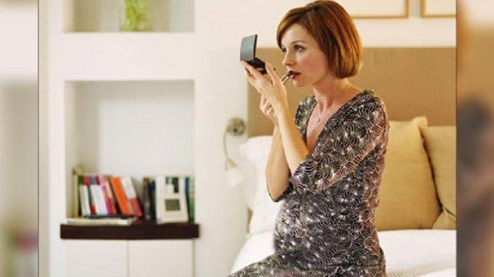 4 Jenis Makeup yang Dilarang untuk Ibu Hamil, Bisa Ganggu Perkembangan Janin dan Ancam Keguguran