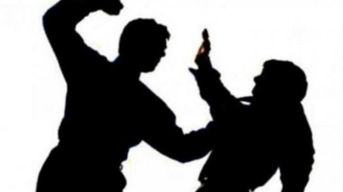 Ilustrasi dua orang duel