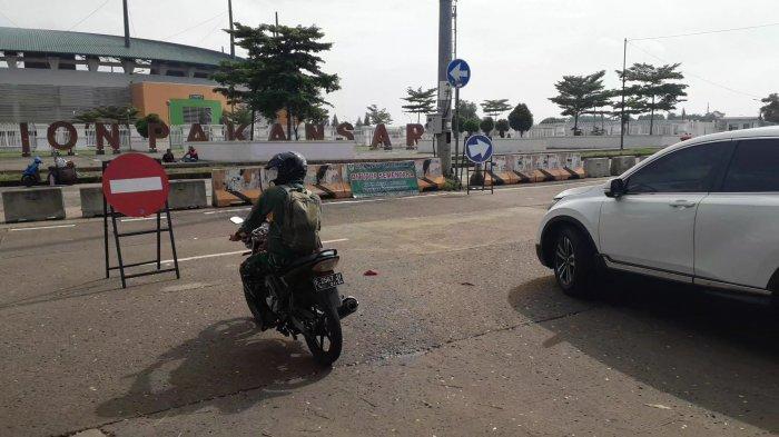 Pembatasan Sosial Jawa dan Bali, Ruas Jalan ke Arah Stadion Pakansari Cibinong Bogor Ditutup