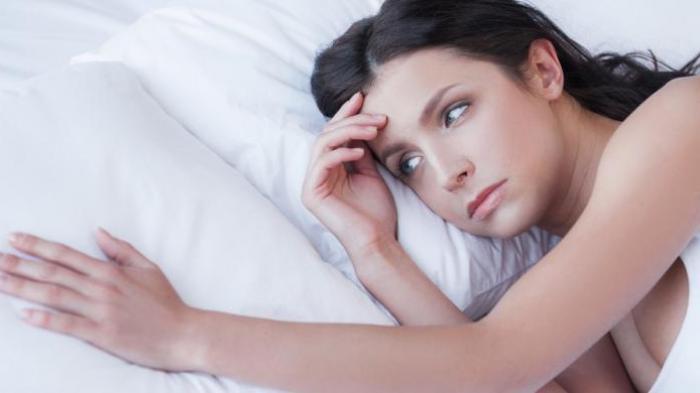 Tidur di Lantai Bisa Sebabkan Paru-paru Basah?, Ini Penjelasan Dokter