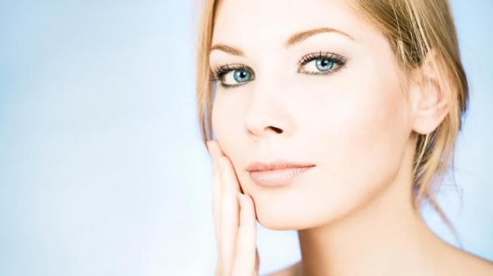7 Rekomendasi Tisu Pembersih Makeup yang Praktis Digunakan, Bikin Wajah Bersih dalam Sekejap !