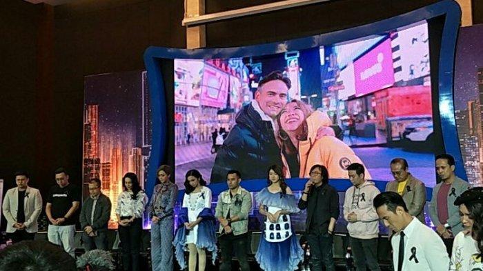 Beri Penghormatan untuk Ashraf Sinclair, Keluarga Indonesian Idol Pakai Pita Hitam