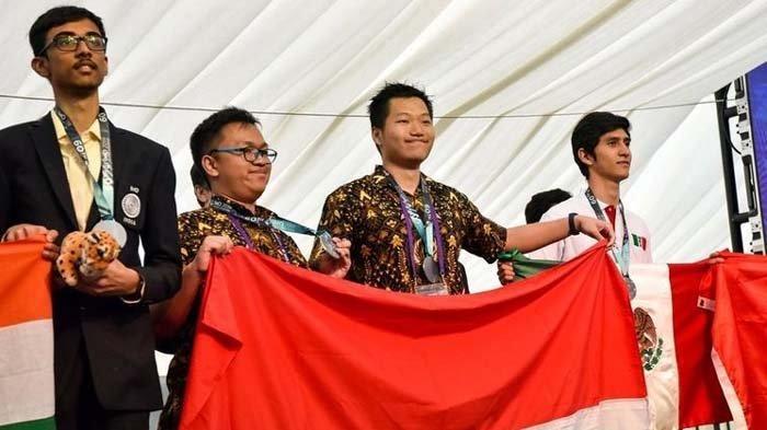 Indonesia Raih Medali Olimpiade Matematika di Inggris, Merah Putih Berkibar !