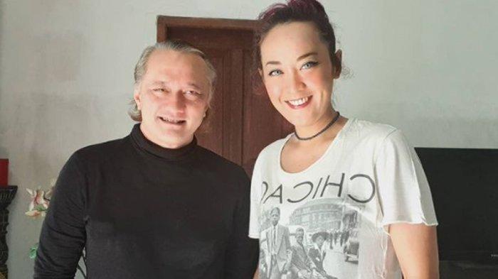 Musisi Beben Jazz Meninggal Karena Covid-19,  Inna Kamarie eks Dewi Dewi Teriak Minta Suami Ditolong