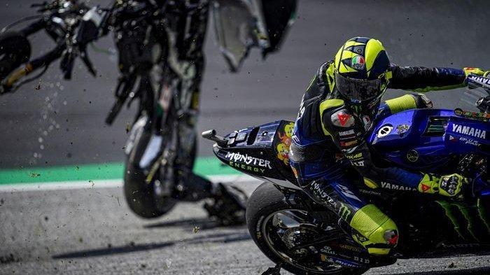 Terhindari dari Maut di MotoGP Austria, Rossi Diselamatkan 'Arwah' Simoncelli, Saksi: Aku Merinding