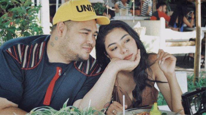 Pesan Romantis Kekasih Ivan Gunawan Usai Liburan Bareng di Bali, 'Kamu Membuatku Bahagia'