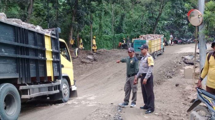 Pasca Bogor Diguyur Hujan Deras, Jalan Penghubung Bogor - Cianjur Amblas