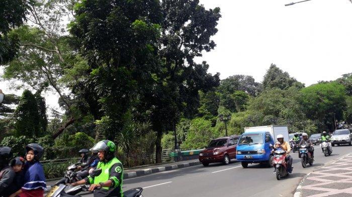 Kondisi Lalu Lintas di Jalan Jalak Harupat Bogor Jumat Pagi