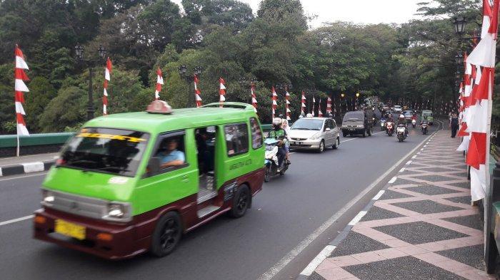 INFO LALU LINTAS - Jalan Jalak Harupat depan Taman Sempur Kota Bogor Ramai Lancar