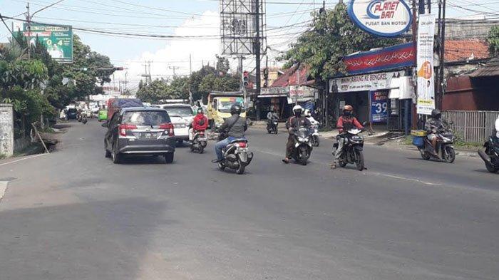 Lalu Lintas di Jalan KS Tubun Kota Bogor Saat Ini Ramai Lancar Cuaca Cerah