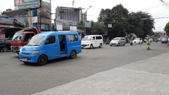Arus Lalu Lintas Kendaraan di Jalan KS Tubun Senin Ini Ramai Lancar