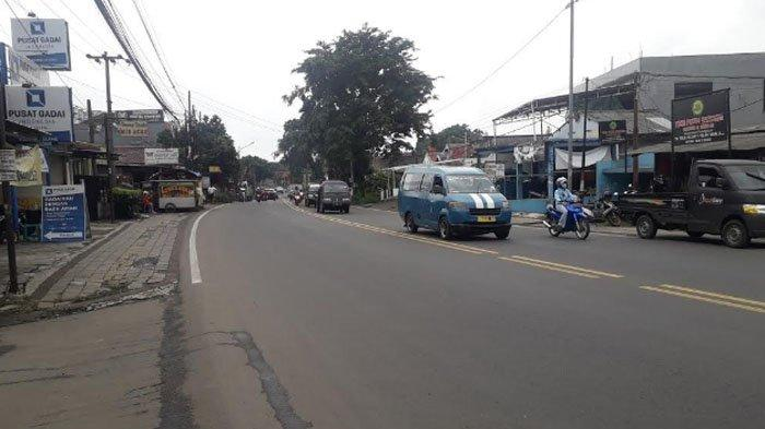 Laju Kendaraan di Jalan KS Tubun Jelang Siang Ini Ramai Lancar